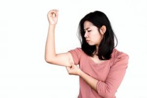 脂肪だけ減らしても二の腕は引き締まらない