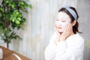 冷水を使って洗顔すると毛穴が引きしまるの?