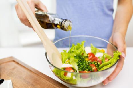 オイルフリー生活で老ける!?大人が摂るべきオイル&脂質