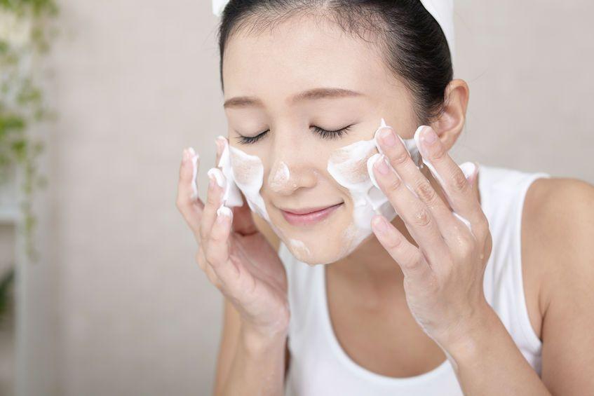 マスク荒れを繰り返す!?美肌の為に実践したい正しい洗顔法