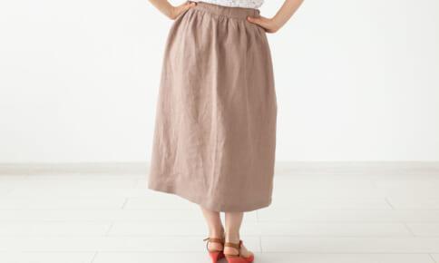 素材とシルエットが鍵!着痩せるロングスカートの着こなし術