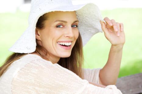 紫外線で老け髪に?大人の頭皮と髪を守るUV対策&ケア