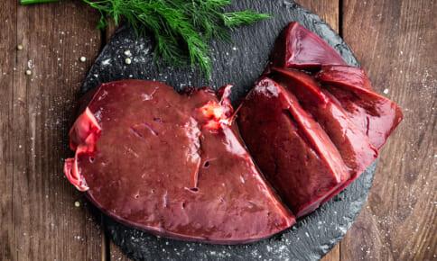 爪が割れやすい人は要注意!隠れ貧血の改善に役立つ食材4つ