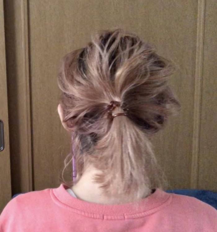 さらに、髪が広がって頭が大きく見えるので、バランスの悪いスタイルになってしまいます