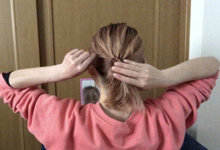 毛束を放射状に引き出すことで自然な立体感に