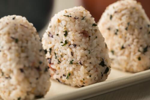 米は100〜150g