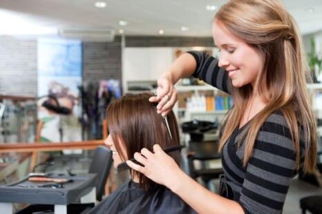 もっと似合う髪型に!失敗せず理想の髪型になれる美容室でのオーダーのコツ