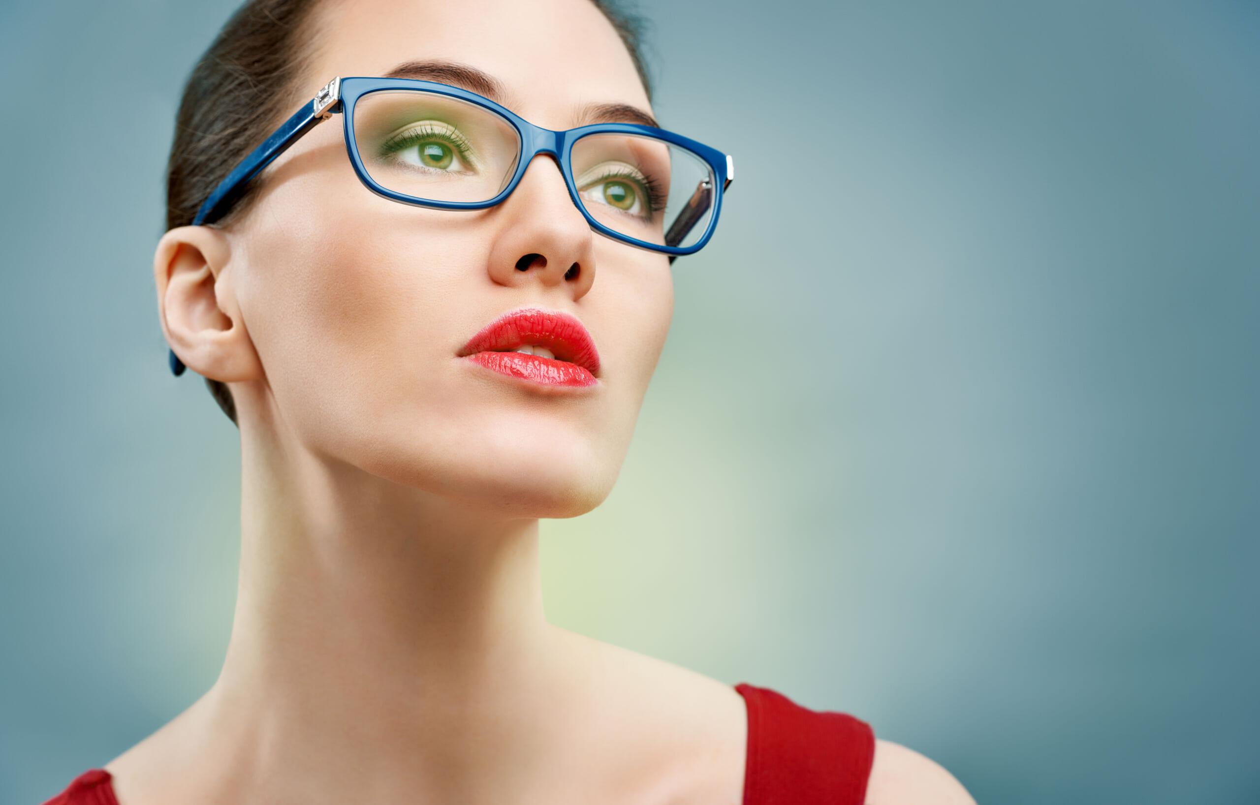 眼鏡の下のアイメイク