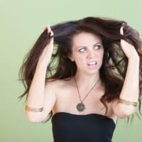 夏のうねり髪に!ダメージ最小でサラツヤ髪を叶える新ストパ
