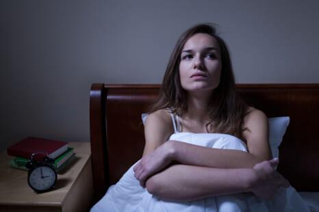 身近な食材で不眠対策!大人が安眠のために食べるべき食材