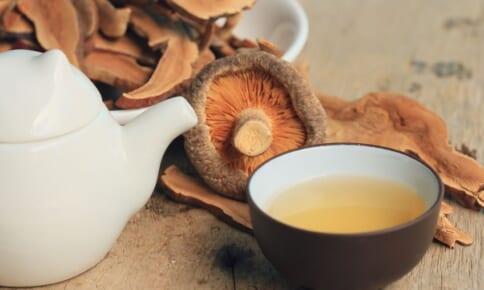 脂肪燃焼&代謝UP!ダイエットに良い「しいたけ茶」活用法