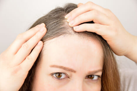 気になる白髪を即ケア!毛髪診断士おすすめのつやプラ世代がすべき白髪対策とは?