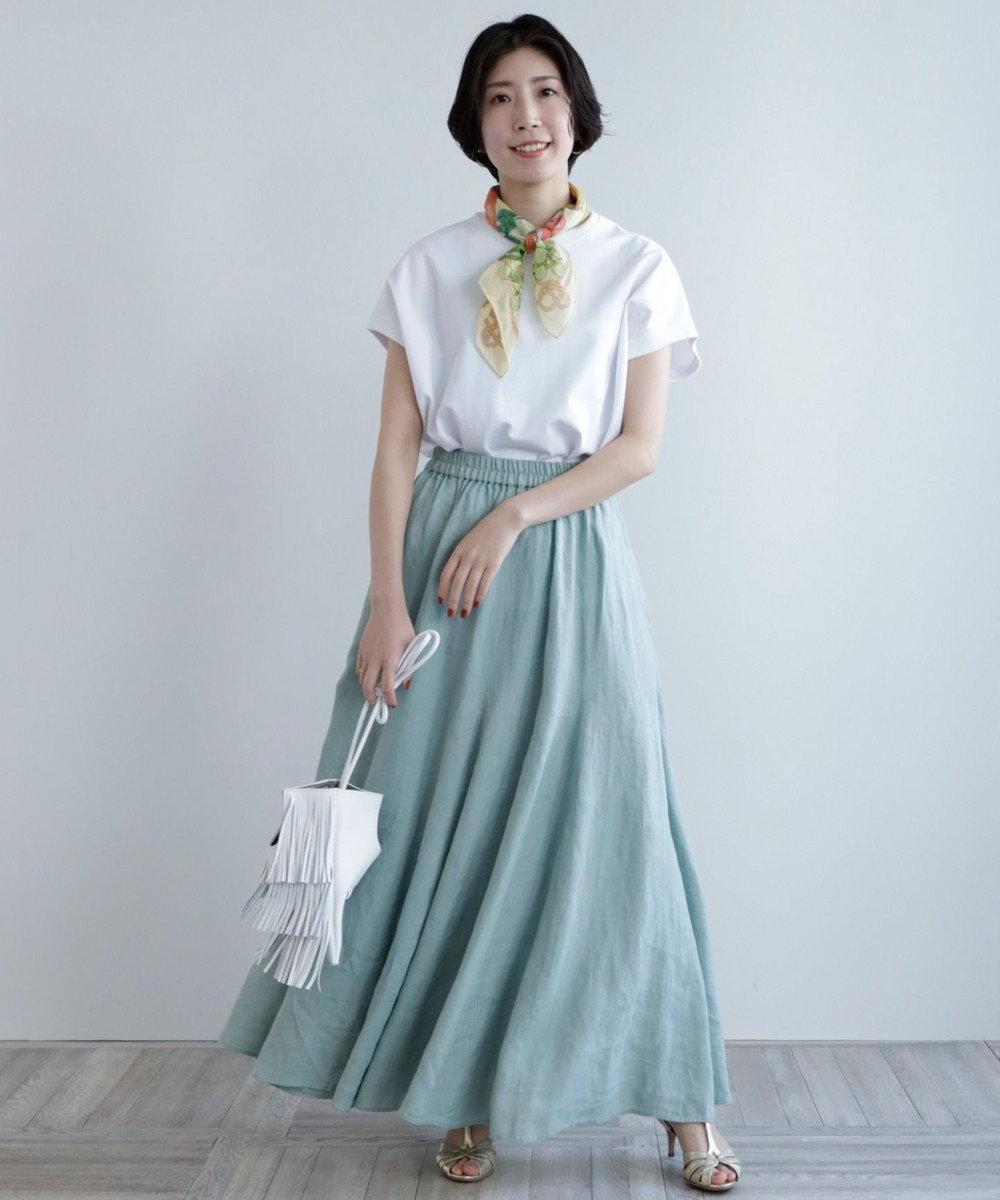 白Tシャツ+ロングスカート