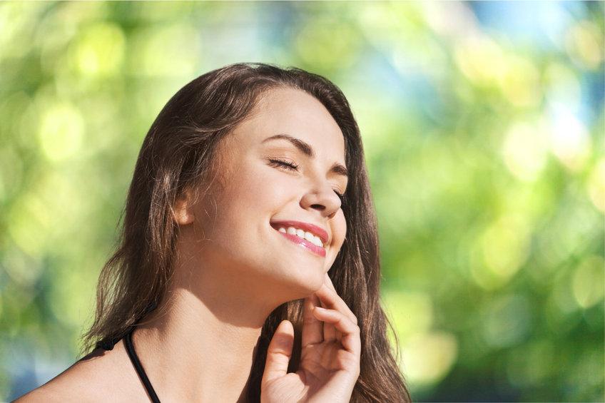 日焼け直後の美白は逆効果?肌ダメージを抑える正しいケア
