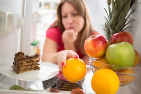 ダラダラ食べで太る!?巣ごもり太りを解消する方法4つ