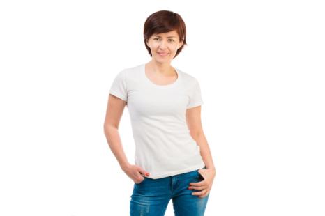 40•50代に◎オバ見えしない!白Tシャツの着こなし7つ