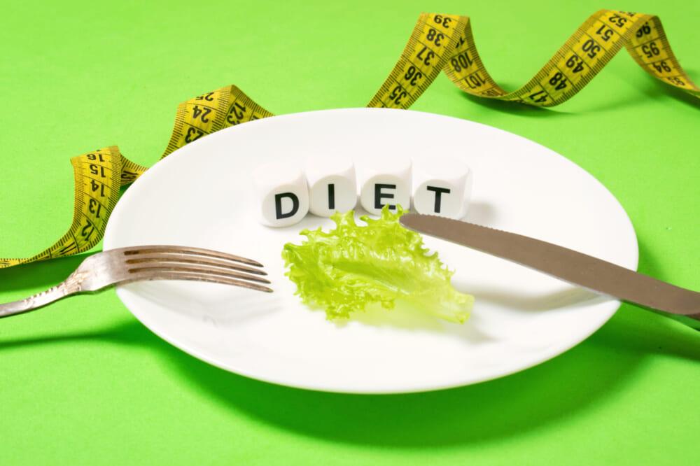 極端なカロリー制限や偏った食事