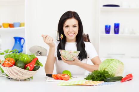 食べて痩せ体質になる!火を使わない夏のダイエットご飯
