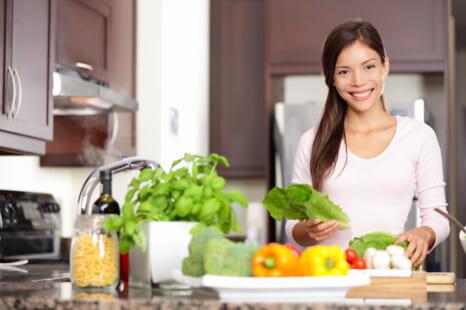 腸活&夏バテ予防に!美腸に導くねばねば系夏野菜3つ
