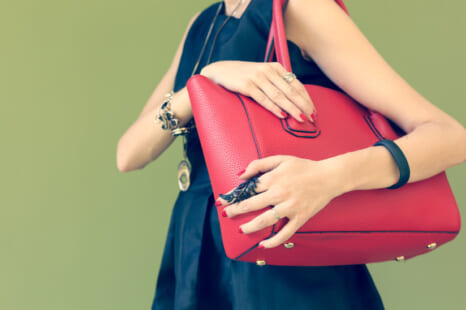 重いバッグで運気低迷?快適に暮らすために手放すべきモノ