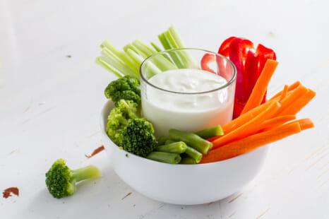野菜スティックでダイエット!老化対策に◎なディップソース