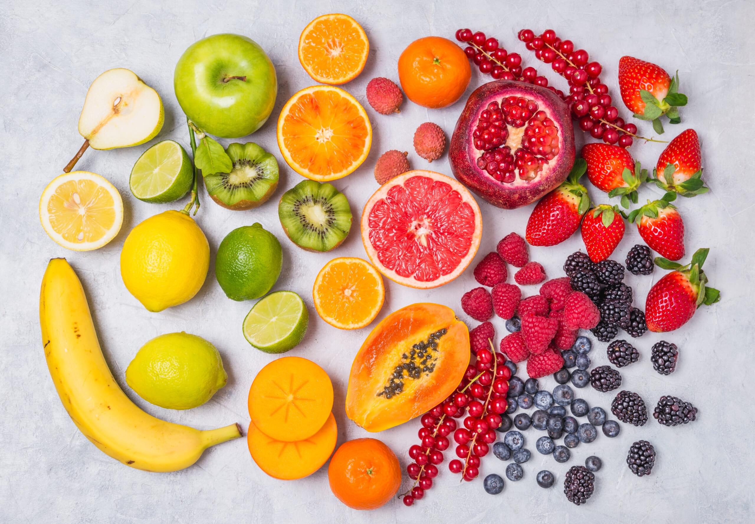 色で選ぶダイエットに役立つ果物